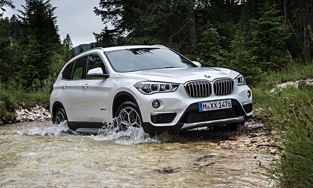 bmw x1 small suv is big on performance. Black Bedroom Furniture Sets. Home Design Ideas